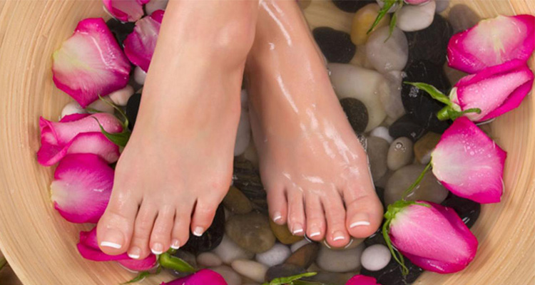 Hands-and-Feet-Skin-Whitening